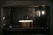 プロレシピのスポンジケーキ生地を焼く