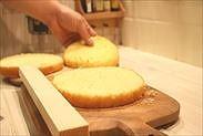 プロレシピのスポンジケーキをスライス