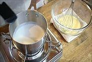 牛乳が軽く沸騰した状態