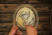 バターをクリーム状にする