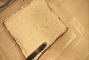 クレームシャンティを塗り広げる