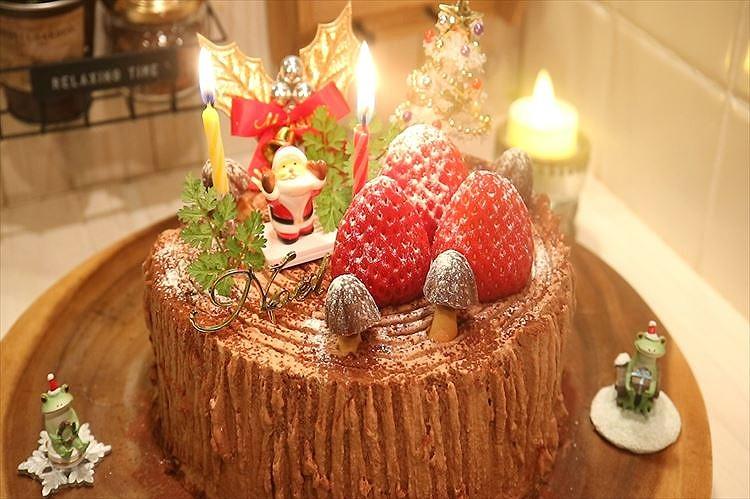 チョコレート切り株クリスマスケーキできあがり