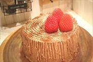 イチゴを飾る
