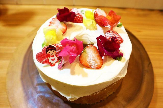シフォンデコレーションケーキできあがり
