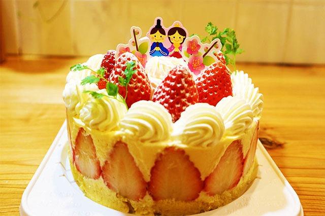 ひな祭りケーキできあがり