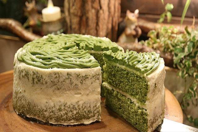ケーキをカット2
