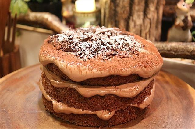 シンプルなチョコレートケーキ完成