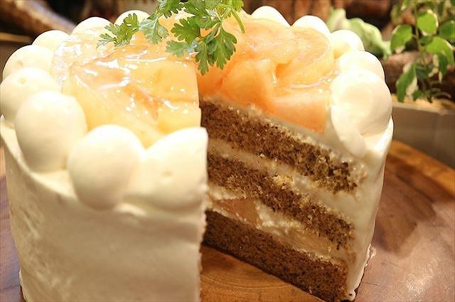 桃と紅茶の生ケーキできあがり