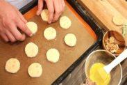 クッキー生地を天板に並べる