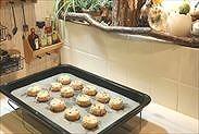 焼けたクッキーを常温で冷ます