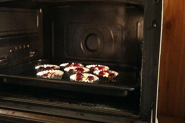 チェリーマドレーヌを焼く
