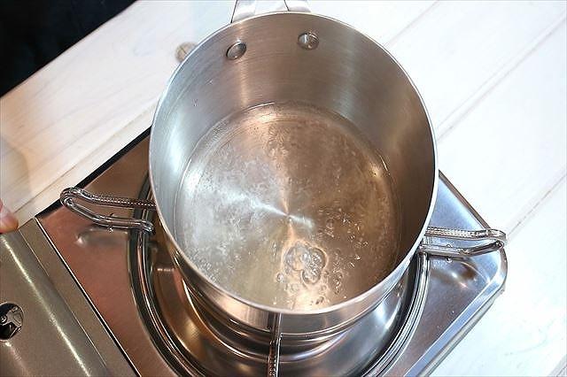 シロップを沸騰させる