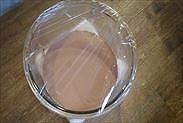 チョコレートクリームのボウルにする