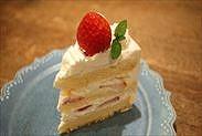 カットしたケーキ