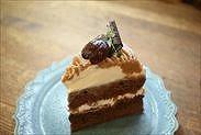 カットしたチョコレート・モンブランショートケーキ