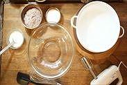 チョコスポンジケーキの材料と道具