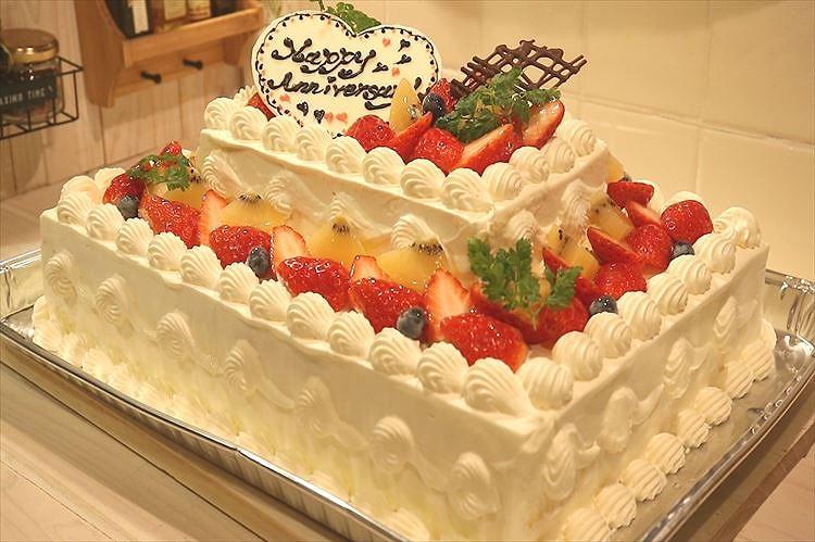 2段デコレーションケーキできあがり