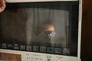 いちごのスフレチーズケーキを予熱焼きする