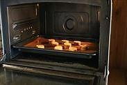 クッキー生地を焼く