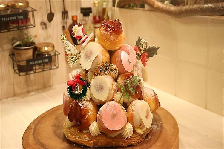 クリスマスツリーケーキ(クロカンブッシュ)できあがり