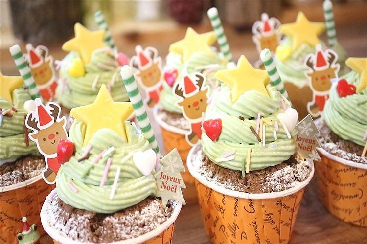カップケーキで簡単Miniクリスマスツリーケーキできあがり
