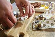 生チョコをラッピング