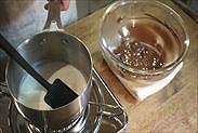 生クリームを沸騰させる