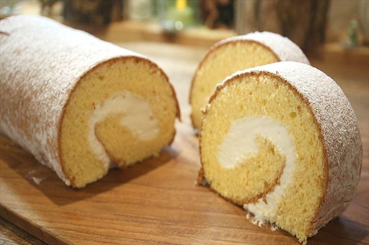 純生カステラロールケーキできあがり